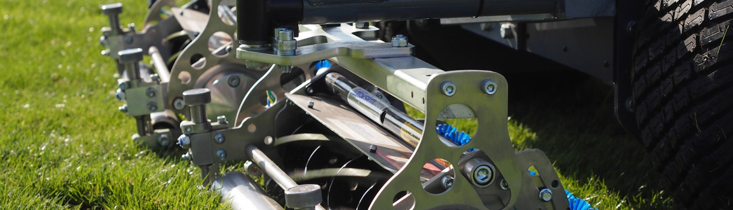 TURFLYNX'S fairway mower uses advanced turf technology's smart cassettes system